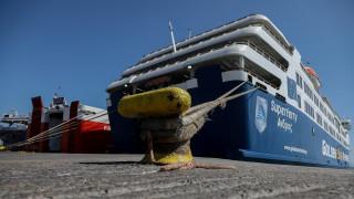 Κορωνοϊός: Μόνο οι μόνιμοι κάτοικοι θα μπορούν να ταξιδέψουν στα νησιά