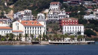 Διευκρινίσεις για την αναστολή λειτουργίας των ξενοδοχείων από το υπουργείο Τουρισμού