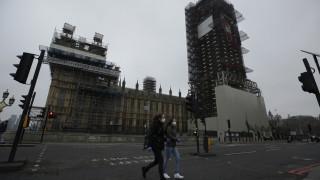 Κορωνοϊός: Νέα μέτρα έλαβε η Βρετανία - Κλείνουν παμπ, εστιατόρια, σινεμά και θέατρα