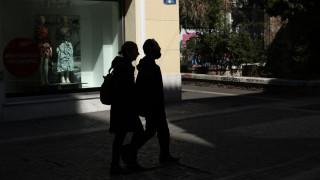 Κορωνοϊός: Οδηγίες για την αναστολή συμβάσεων εργασίας και το επίδομα των 800 ευρώ