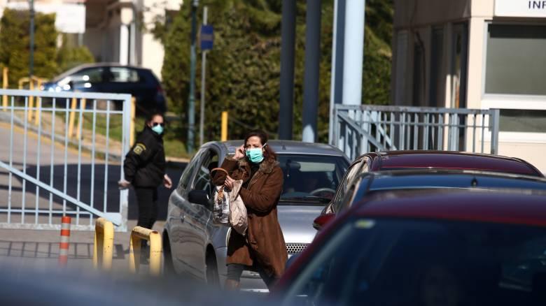 Κορωνοϊός: Aκόμη τρεις θάνατοι, 13 στο σύνολο