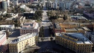 Κορωναϊός: Στρατιωτικός νόμος για 40 ώρες στην Αλβανία