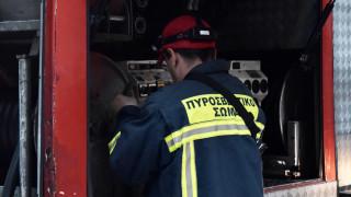 Υπό έλεγχο η φωτιά σε εργοστάσιο στο Βαθύ Ευβοίας