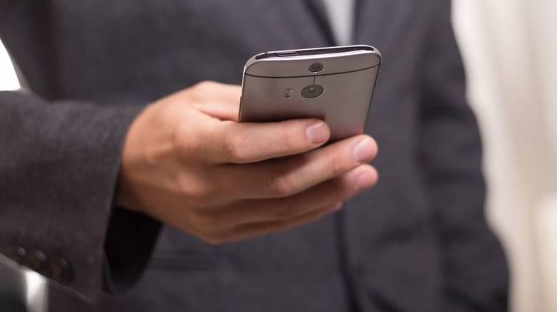 Κορωνοϊός: Δοκιμασία για τις τηλεπικοινωνίες - Πιέσεις θα φέρει η ενδεχόμενη απαγόρευση κυκλοφορίας