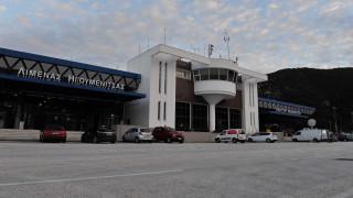 Κορωνοϊός: Έφτασε στην Ηγουμενίτσα το πλοίο που μετέφερε Έλληνες από την Ιταλία
