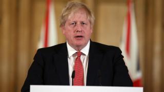 Κορωνοϊός - Βρετανία: «Στροφή» Τζόνσον - Μέτρα περιορισμού για τουλάχιστον 12 εβδομάδες