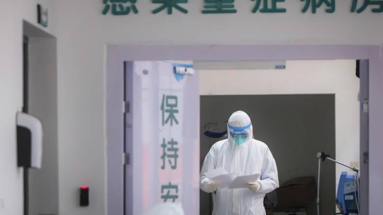 Κορωνοϊός στην Κίνα: Εννέα θάνατοι και 39 «εισαγόμενα» κρούσματα την Κυριακή