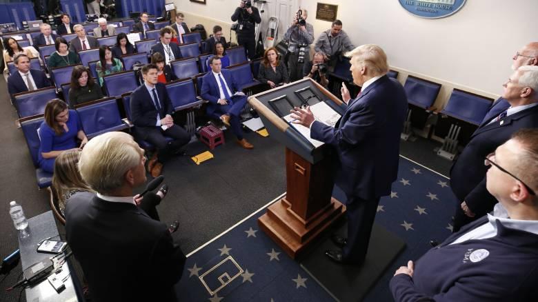 Κορωνοϊός - ΗΠΑ: Εν αναμονή ανακοινώσεων από τον Τραμπ για νέα σκληρά μέτρα