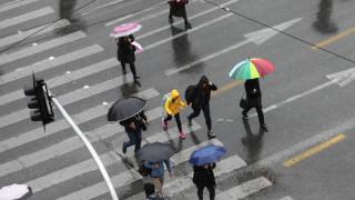 Καιρός: Βροχερή η σημερινή μέρα - Έντονο κύμα κακοκαιρίας έρχεται την Τετάρτη