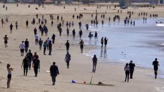 Κορωνοϊός - ΗΠΑ: Πλήθος κόσμου στις παραλίες της Καλιφόρνια παρά την εντολή «μείνετε σπίτι»