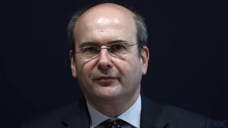 Χατζηδάκης: «Ανάσα» για επιχειρήσεις και ευάλωτες ομάδες από τους παρόχους ηλεκτρικής ενέργειας