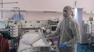 Κορωνοϊός στην Ελλάδα: Βρέφος τριών μηνών βρέθηκε θετικό στον ιό