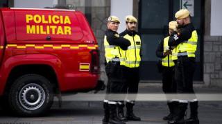 Κορωνοϊός - Μαγιόρκα: «Καντάδες» αστυνομικών στους πολίτες που βρίσκονται σε καραντίνα