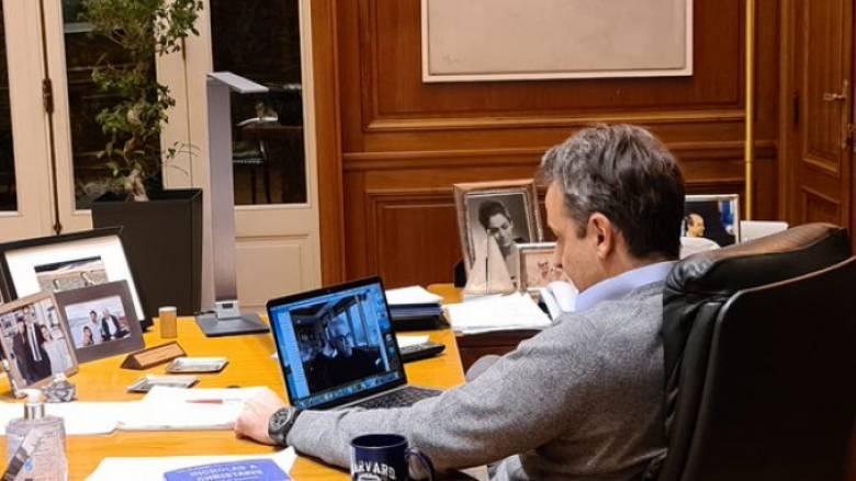 Κορωνοϊός: Επικοινωνία Μητσοτάκη με Έλληνα καθηγητή του Yale για το κυβερνητικό σχέδιο