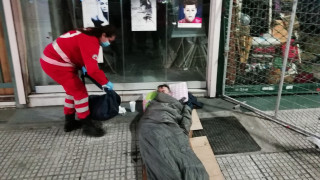 Κορωνοϊός: Ο Ελληνικός Ερυθρός Σταυρός σταθερά στο πλευρό των αστέγων