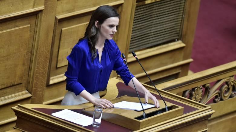 Αχτσιόγλου: Δεν προσπαθούμε να κερδοσκοπήσουμε πολιτικά με τον κορωνοϊό