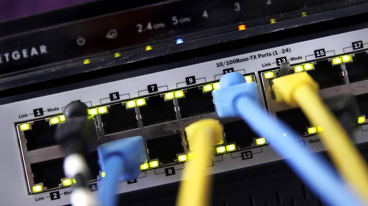 Κορωνοϊός: Ελαφρά πτώση στη μέση ταχύτητα του Διαδικτύου