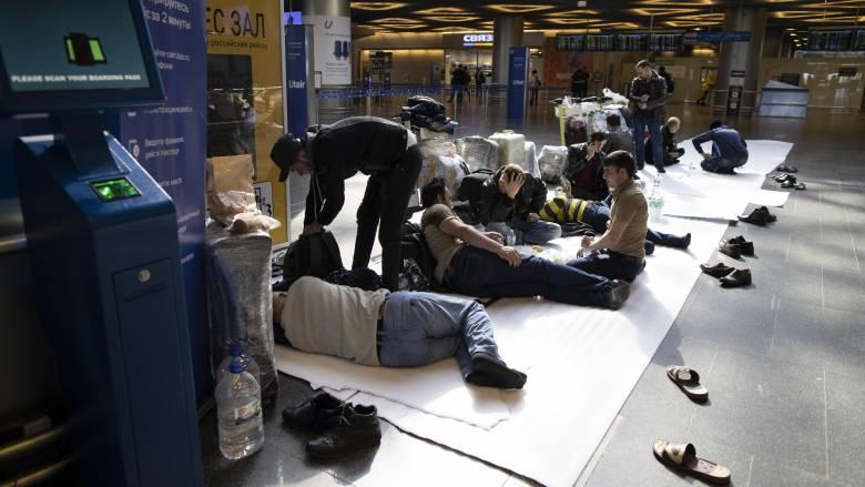 Κορωνοϊός - Τουρκία: Χιλιάδες αποκλεισμένοι στο αεροδρόμιο της Κωνσταντινούπολης