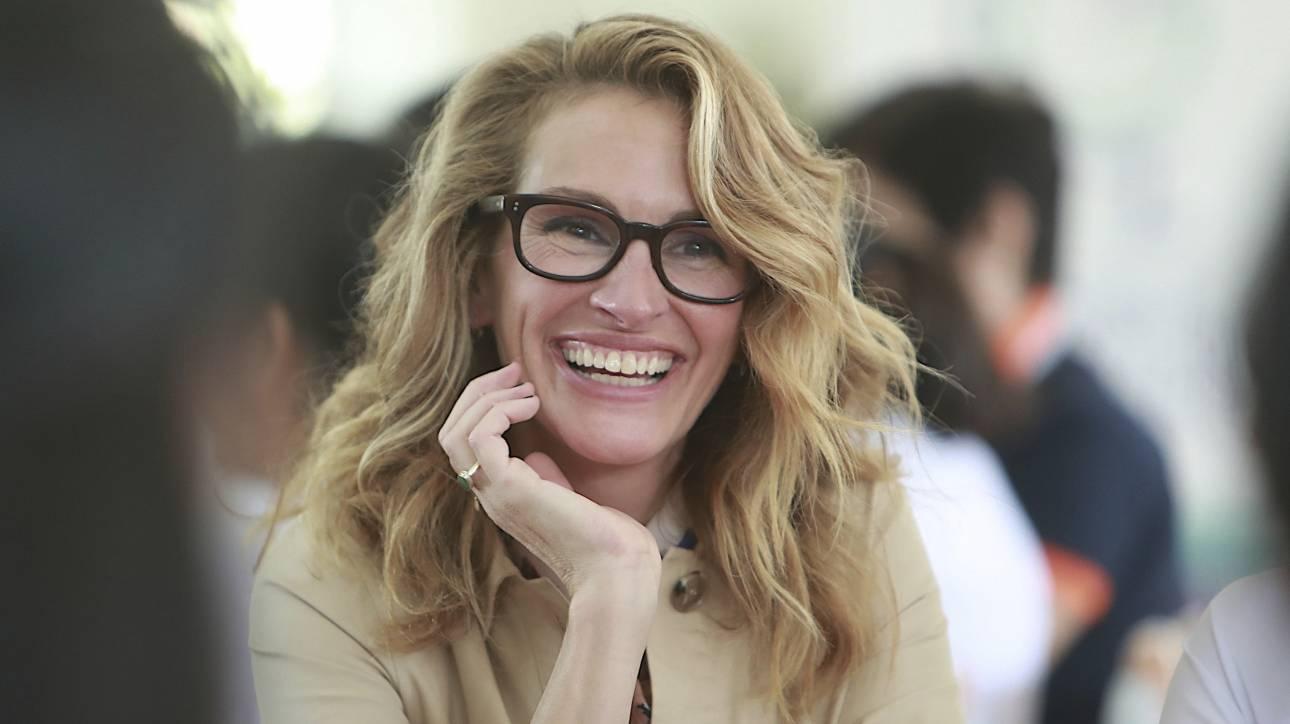 Τζούλια Ρόμπερτς: Μένω στο σπίτι για να είμαι μέρος της λύσης