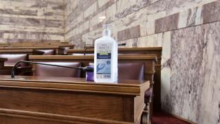 Κορωνοϊός: Ομόφωνα δεκτή η τροπολογία για την παραγωγή αντισηπτικών