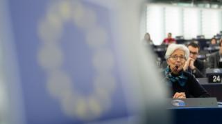 Κορωνοϊός: Πολύτιμο χρόνο εξασφαλίζει η αγορά ελληνικών ομολόγων από την ΕΚΤ