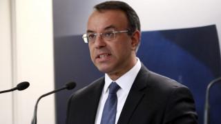 Σταϊκούρας: Στήριξη ιατρών, δικηγόρων, μηχανικών με επιταγές κατάρτισης 600 ευρώ