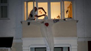 Βρετανία: Και οι πυροσβέστες στη μάχη κατά του κορωνοϊού λίγο πριν την κορύφωση της πανδημίας