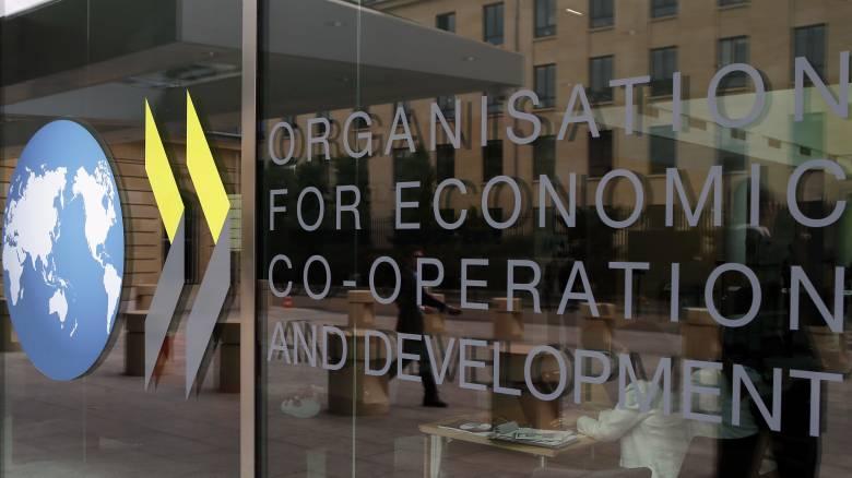 Κορωνοϊός: Πτώση 2% του ΑΕΠ σε μηνιαία βάση λόγω των περιορισμών βλέπει ο ΟΟΣΑ