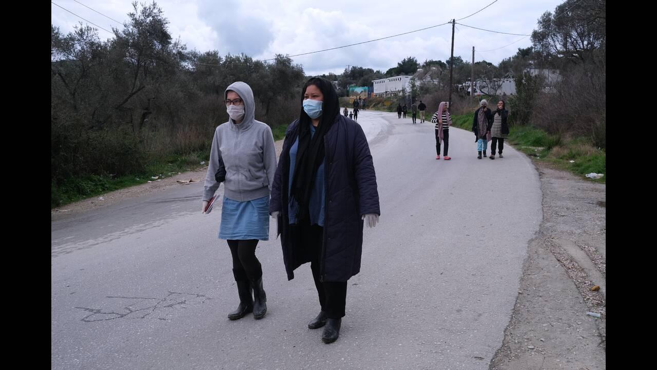https://cdn.cnngreece.gr/media/news/2020/03/27/212991/photos/snapshot/moria_maskes-7.jpg