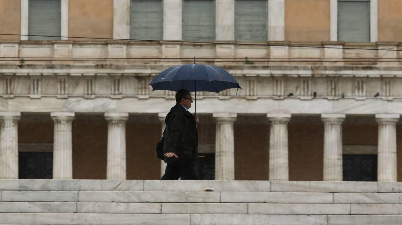 Καιρός: Άστατος σε όλη τη χώρα με βροχές και καταιγίδες
