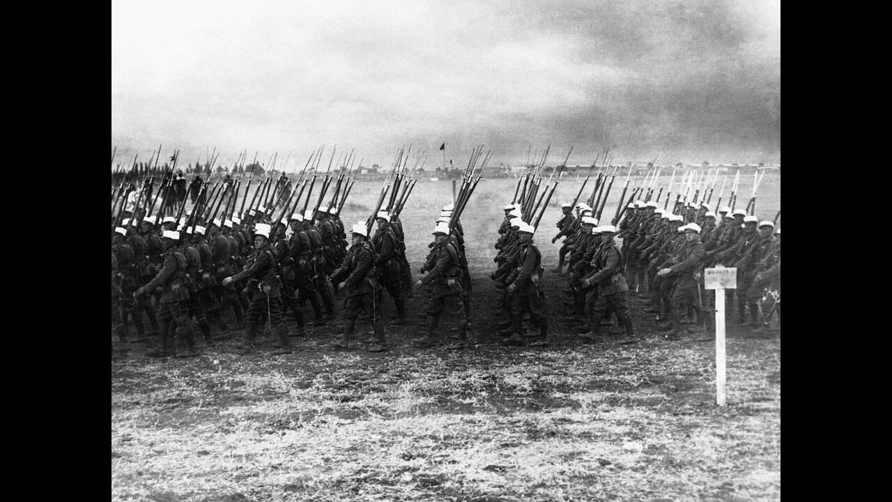 1931 Μέλη της γαλλικής Λεγεώνας των Ξένων προελαύνουν σε άγνωστη τοποθεσία της βόρειας Αφρικής.