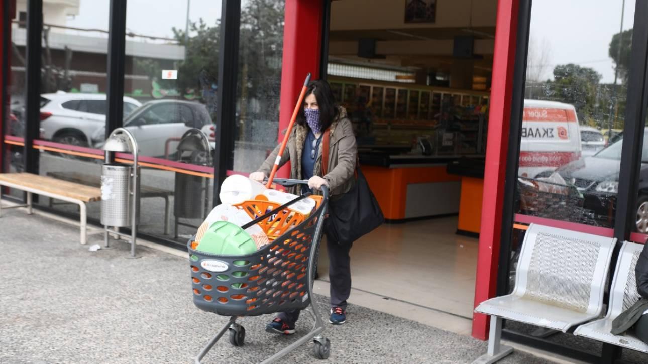 Νέα μέτρα για τα σούπερ μάρκετ εξετάζει η κυβέρνηση