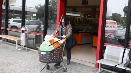 Κορωνοϊός: Νέα μέτρα για τα σούπερ μάρκετ εξετάζει η κυβέρνηση