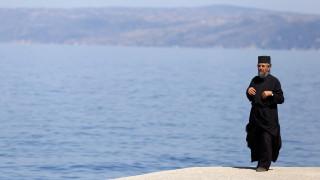 Στο Άγιο Όρος ο κορωνοϊός - Μοναχός νοσηλεύεται στο ΑΧΕΠΑ