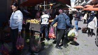 Κορωνοϊός - Παπαθανάσης: Θα κλείσουν οι λαϊκές εάν δεν τηρούνται οι κανόνες ασφαλείας