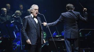 Κορωνοϊός - Μιλάνο: Πάσχα με συναυλία του Αντρέα Μποτσέλι σε άδεια πλατεία