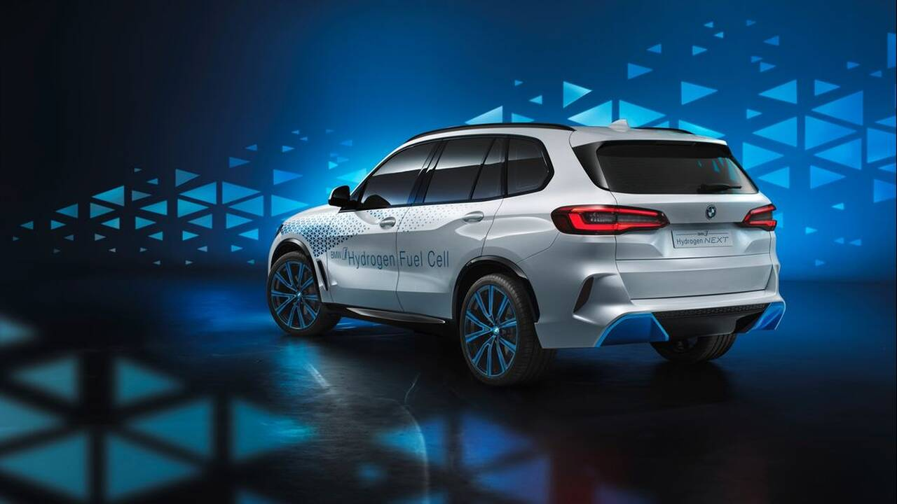 https://cdn.cnngreece.gr/media/news/2020/03/30/213331/photos/snapshot/BMW-FCV-12.jpg