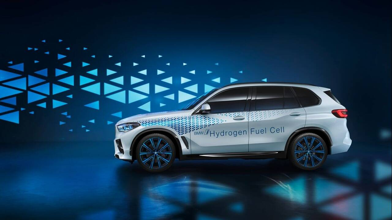 https://cdn.cnngreece.gr/media/news/2020/03/30/213331/photos/snapshot/BMW-FCV-13.jpg