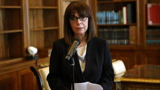 Σακελλαροπούλου: Καταθέτει το ήμισυ του μισθού της για την αντιμετώπιση του κορωνοϊού