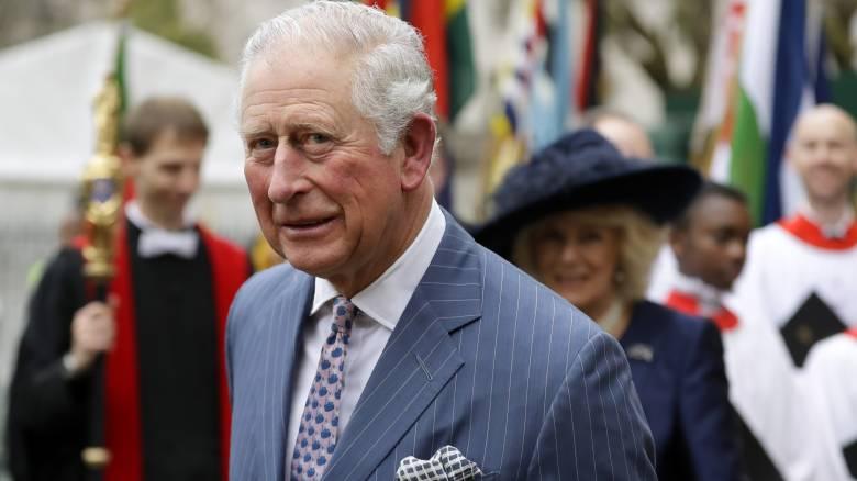 Κορωνοϊός: Βγήκε από την καραντίνα ο πρίγκιπας Κάρολος