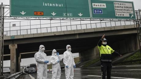 Κορωνοϊός - Τουρκία: Tουλάχιστον 80 άτομα συμμετείχαν σε πάρτι - 11 συλλήψεις