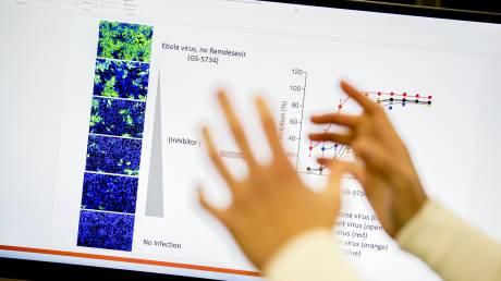 Κορωνοϊός - Ελληνίδα λοιμωξιολόγος του Cambridge: Είμαστε πιο κοντά σε θεραπεία παρά εμβόλιο