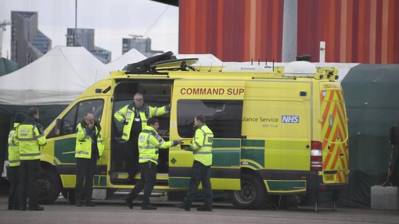 Κορωνοϊός - Βρετανία: «Καλπάζει» η εξάπλωση του ιού - 381 νέοι θάνατοι σε 24 ώρες