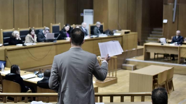 Κορωνοϊός: Δεν δικαιούνται τα 800 ευρώ οι δικηγόροι με πάγια εντολή ή αντιμισθία