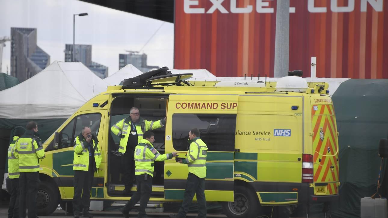 Κορωνοϊός - Βρετανία: Αυξάνεται η πίεση για διενέργεια περισσότερων τεστ