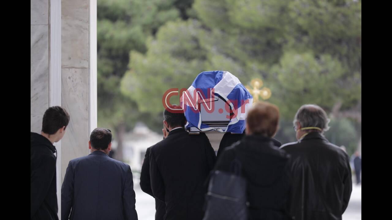 https://cdn.cnngreece.gr/media/news/2020/04/01/213695/photos/snapshot/91783674_2403589246408403_4992172635694563328_n.jpg