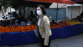 Κορωνοϊός - Παπαθανάσης: Οι λαϊκές αγορές «σπάνε» στα δύο