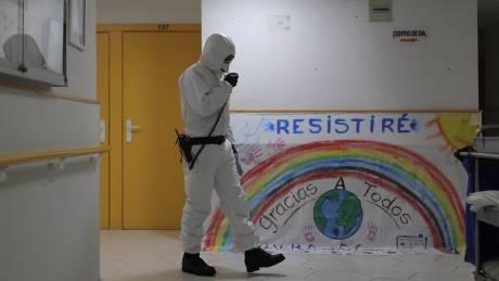 Κορωνοϊός: 950 νέοι νεκροί στην Ισπανία - Ξεπέρασαν τις 10.000 συνολικά