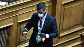 Κορωνοϊός – Βουλή: Μάσκες, γάντια, απολύμανση και αποστάσεις ασφαλείας