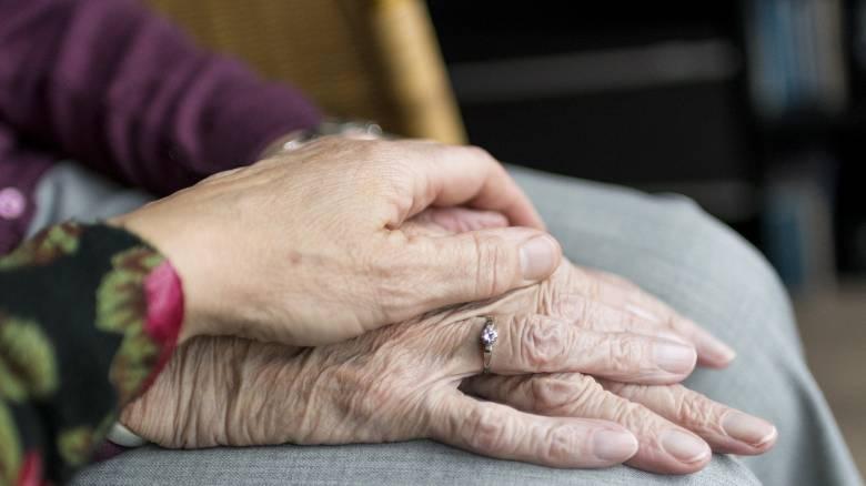 Κορωνοϊός: Παροχή παρηγορικής φροντίδας σε ασθενείς με χρόνιο πόνο μέσω skype